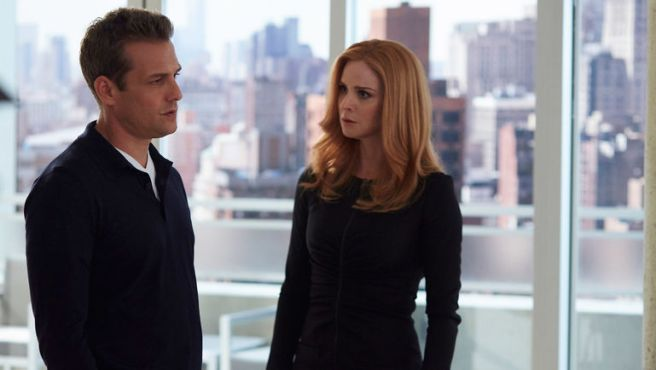 suits_epguide_612_2560x1440